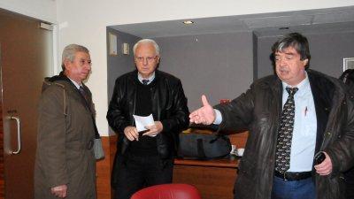 Ангел Божидаров (вдясно) е част от партията на Велизар Енчев (в средата). Снимка Лина Главинова