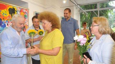 Иван и Павлин Стратиеви показаха 42 платна в общата си изложба. Снимки Лина Главинова