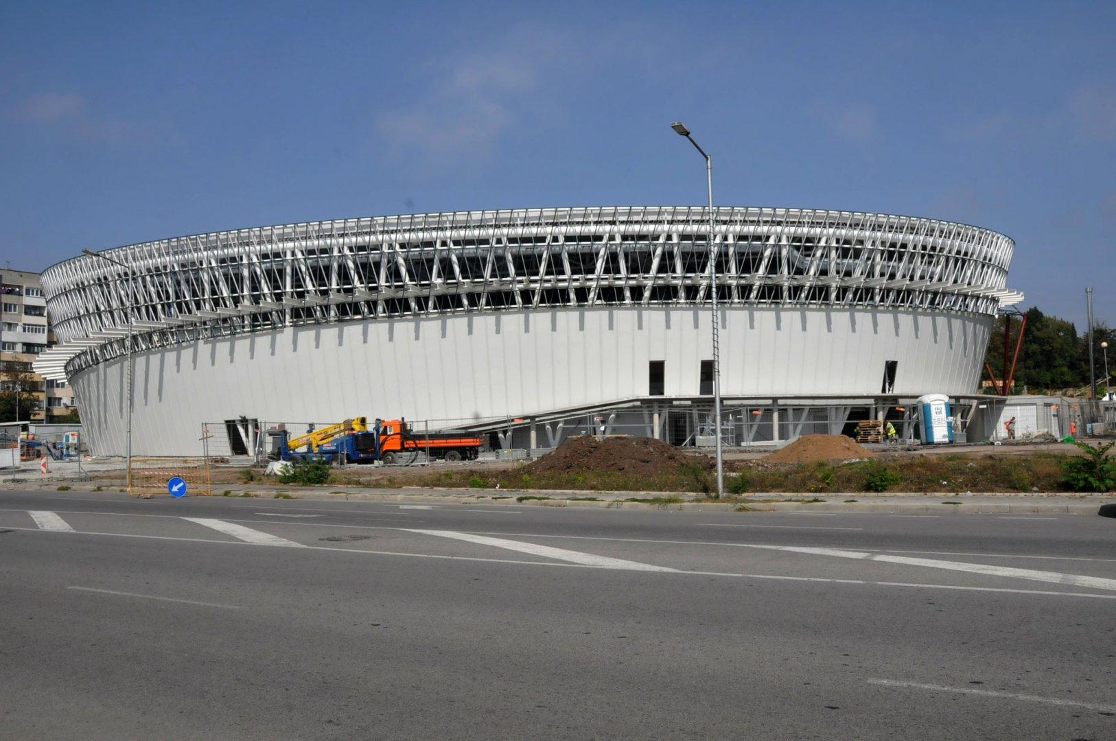 Новият спортен комплекс ще бъде пуснат в експлоатация тази година. Снимка Лина Главинова