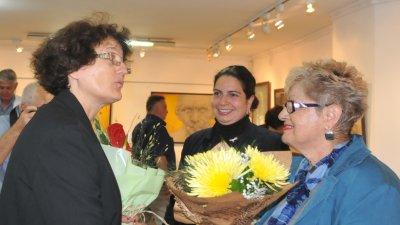 Проф. Екатерина Русинова и дъщеря й доц. д-р Калина Христова гостуват в галерия