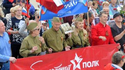 Безсмъртният полк и тази година мина през Бургас. Снимки Лина Главинова