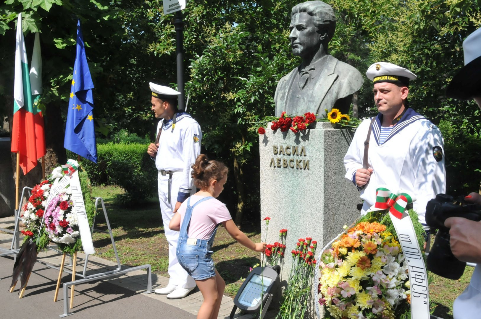 Пред паметника на Левски ще бъдат поставени венци и цветя. Снимка Архив Черноморие-бг