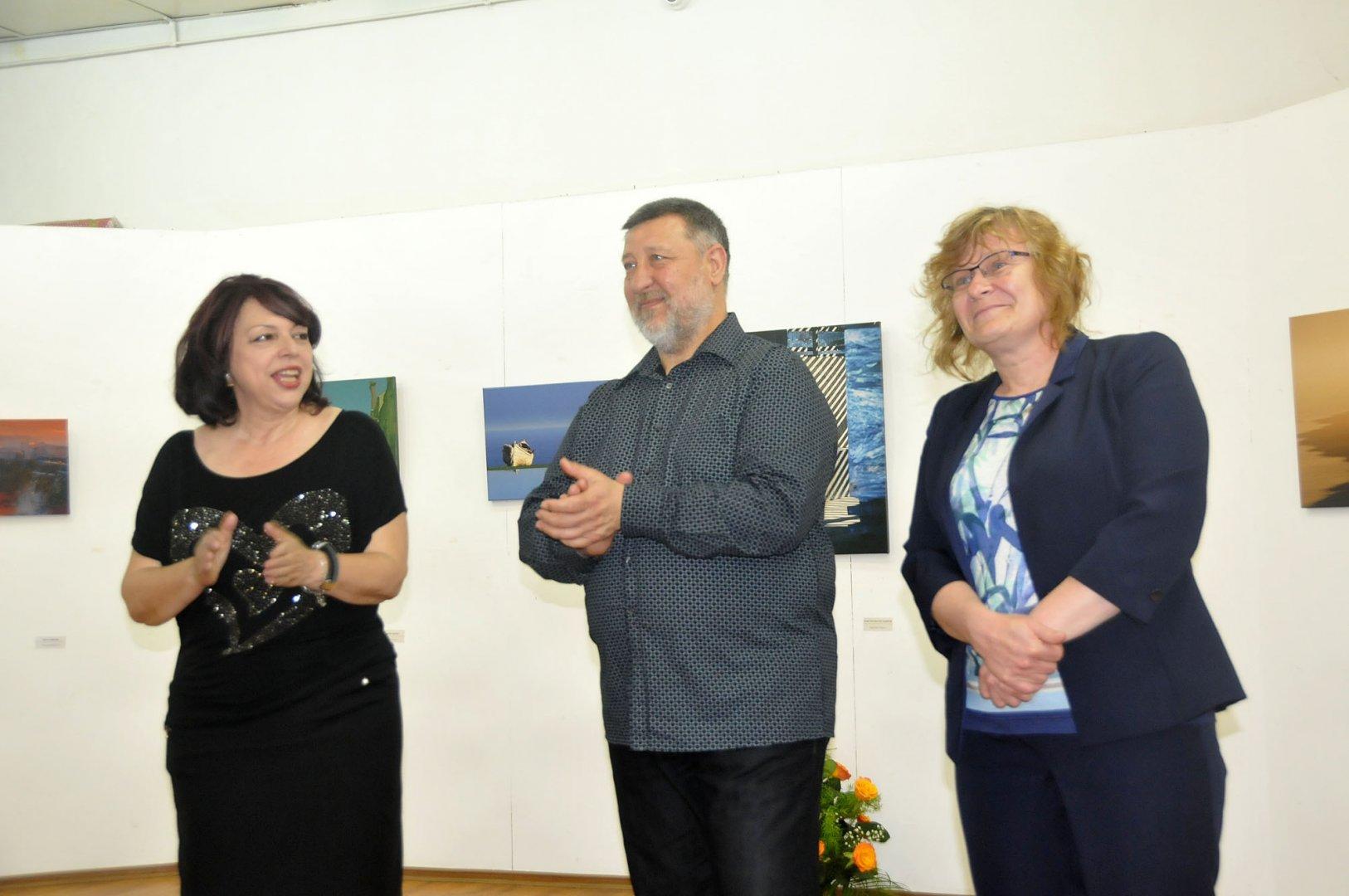 БФО откри изложбата си в залата на галерия Петко Задгорски. Снимки Лина Главинова