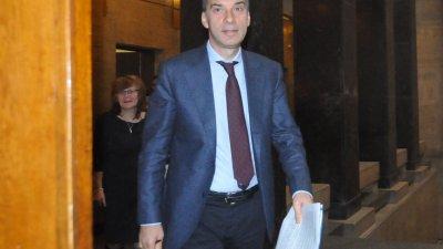 От своя страна Димитър Николов очаква подкрепа за свои предложения. Снимка Архив Черноморие-Бг