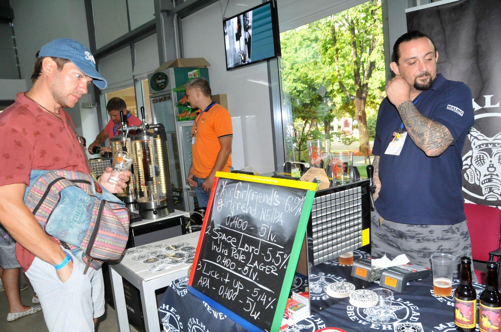 Metalhead Brewery е най-младата пивоварна, която участва на изложението. Снимки Лина Главинова