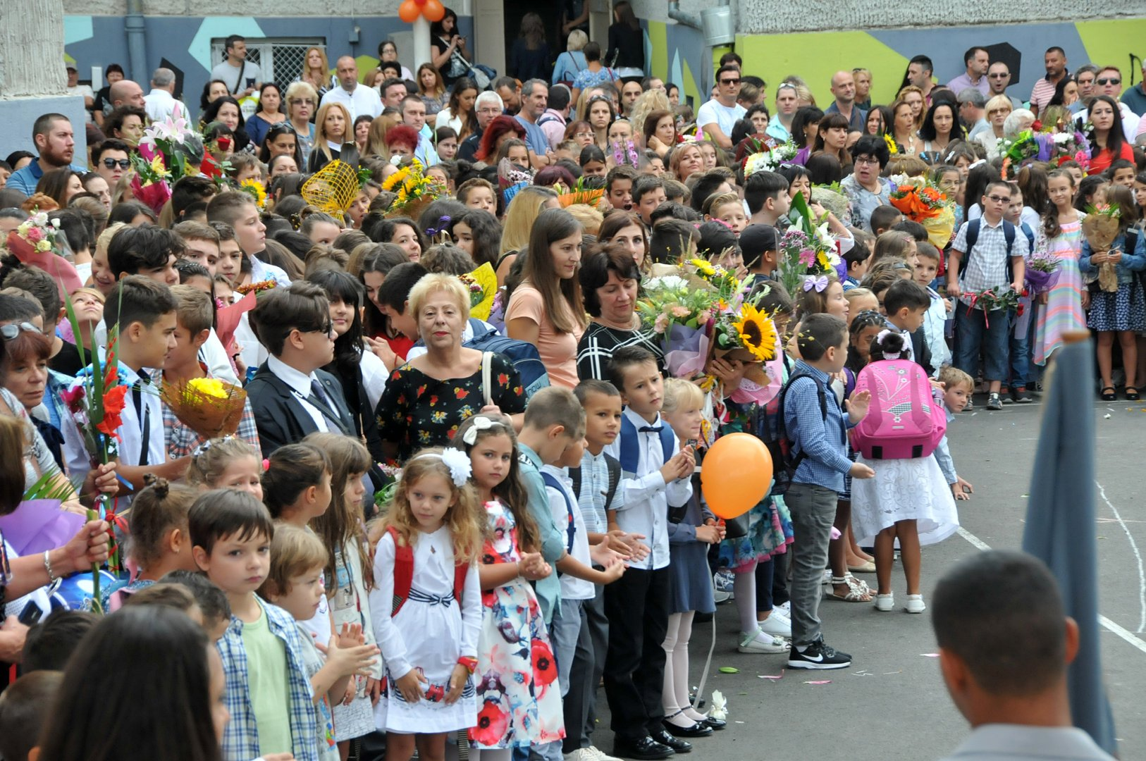 Първокласниците ще влязат наесен в нови класни стаи. Снимка Архив Черноморие-бг