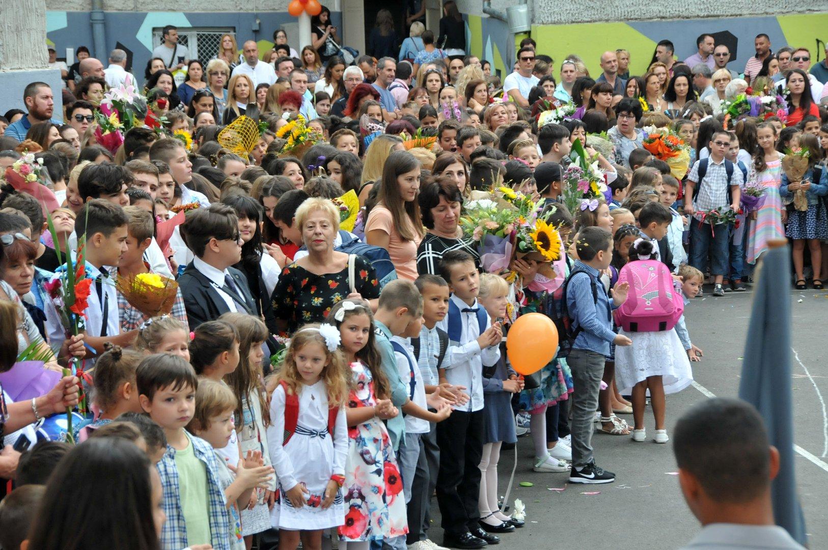 Тази есен първокласниците ще влязат в изцяло обновени и обзаведени класни стаи. Снимка Архив Черноморие-бг