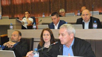 Димитър Людиев (на преден план) си направи отвод и няма да бъде кандидат за съветник на ГЕРБ. Снимка Архив Черноморие-бг