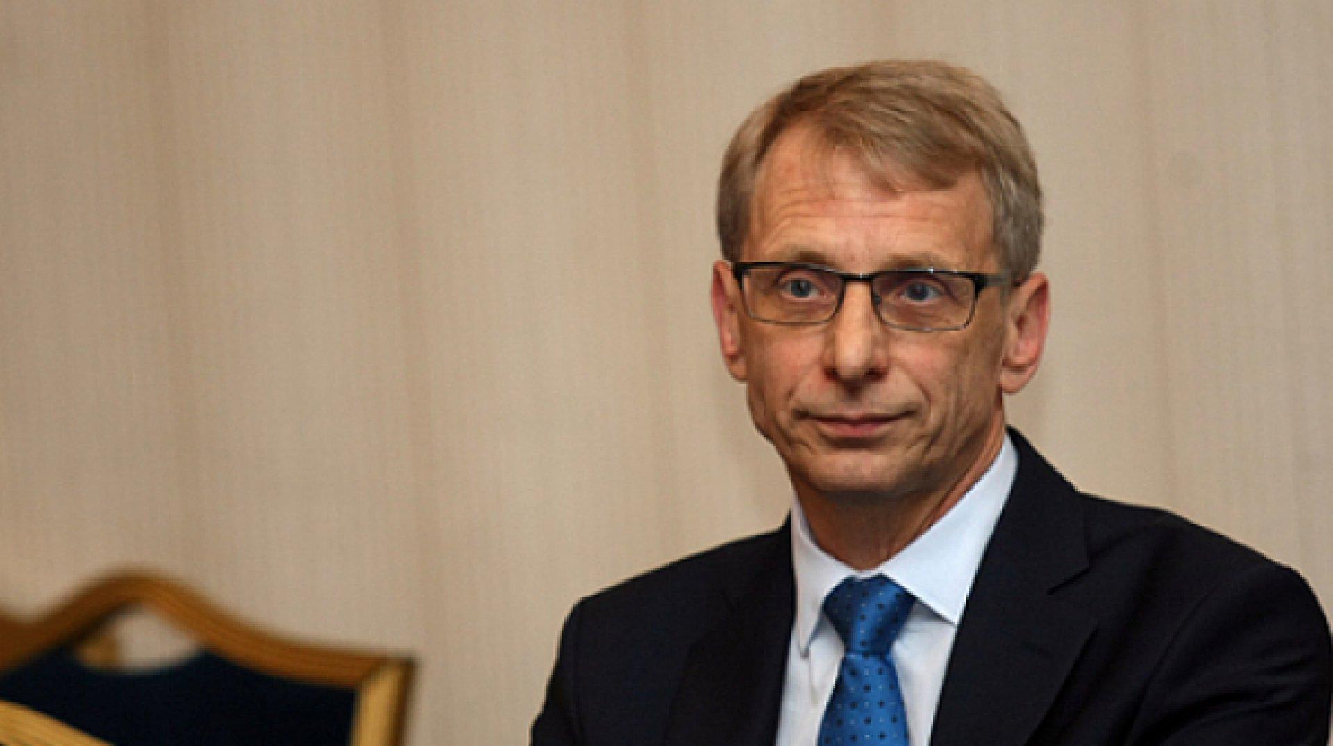 Според министър Дянков, тестването ще става преди първия час в понеделник и четвъртък