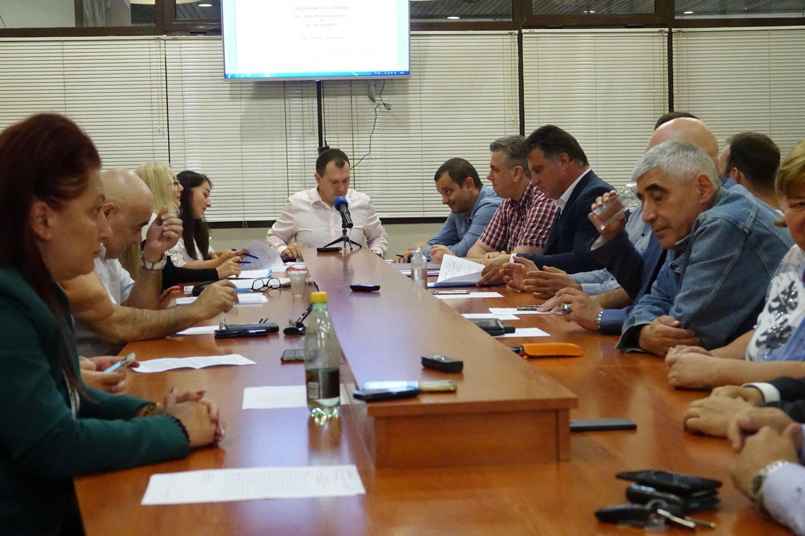 Съветниците от Комисията по финанси и бюджет подкрепиха отпускането на средствата. Снимка ОбС - Варна