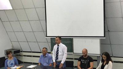 Днес започваме да пишем нов раздел в историята на нашия спорт,каза Стефан Колев (в средата)