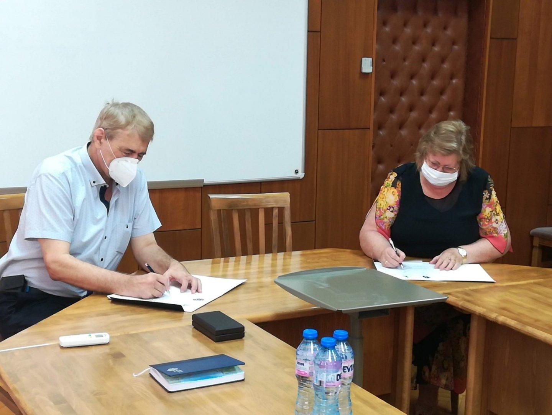 Споразумението е сключено за срок от 5 години. Снимки Университет Проф. д-р Асен Златаров