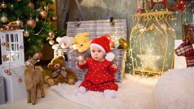 Бориса е на девет месеца и това е първата й Коледа
