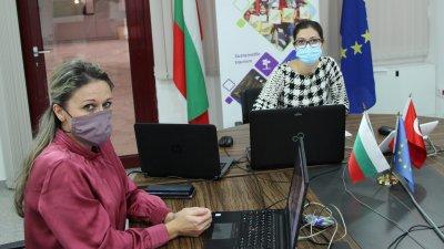 Напредъкът по проекта бе представен по време на седмото заседание на Съвместния комитет за наблюдение на трансграничната програма, което се проведе онлайн, заради пандемията. Снимки МРРБ