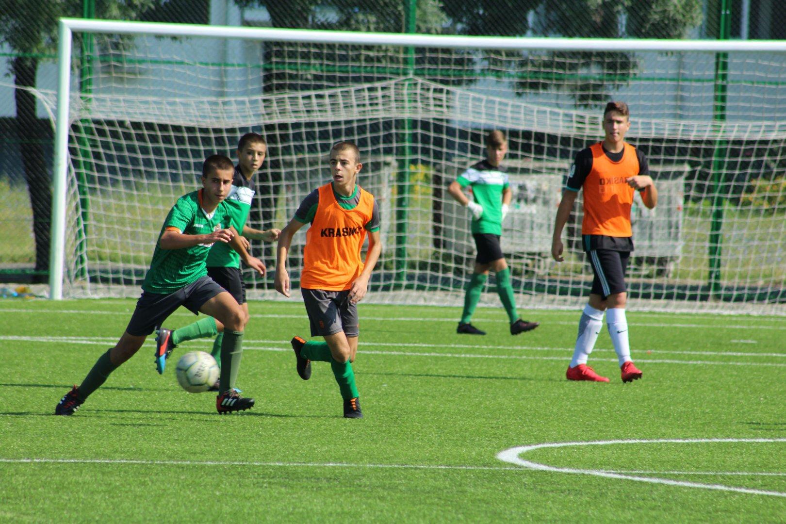 Отборите ще се готвят за мачовете от пролетния полусезон в спортен център Изгрев. Снимка ПФК Нефтохимик
