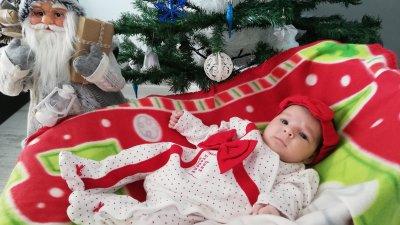 Малката Божидара е от Бургас