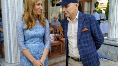 Министър Ангелкова и изпълнителният директор на Слънчев бряг АД Златко Димитров споделиха впечатленията си от началото на сезона