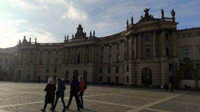 Градините и учебните заведения в Германия остават затворени. Снимка Десислава Георгиева