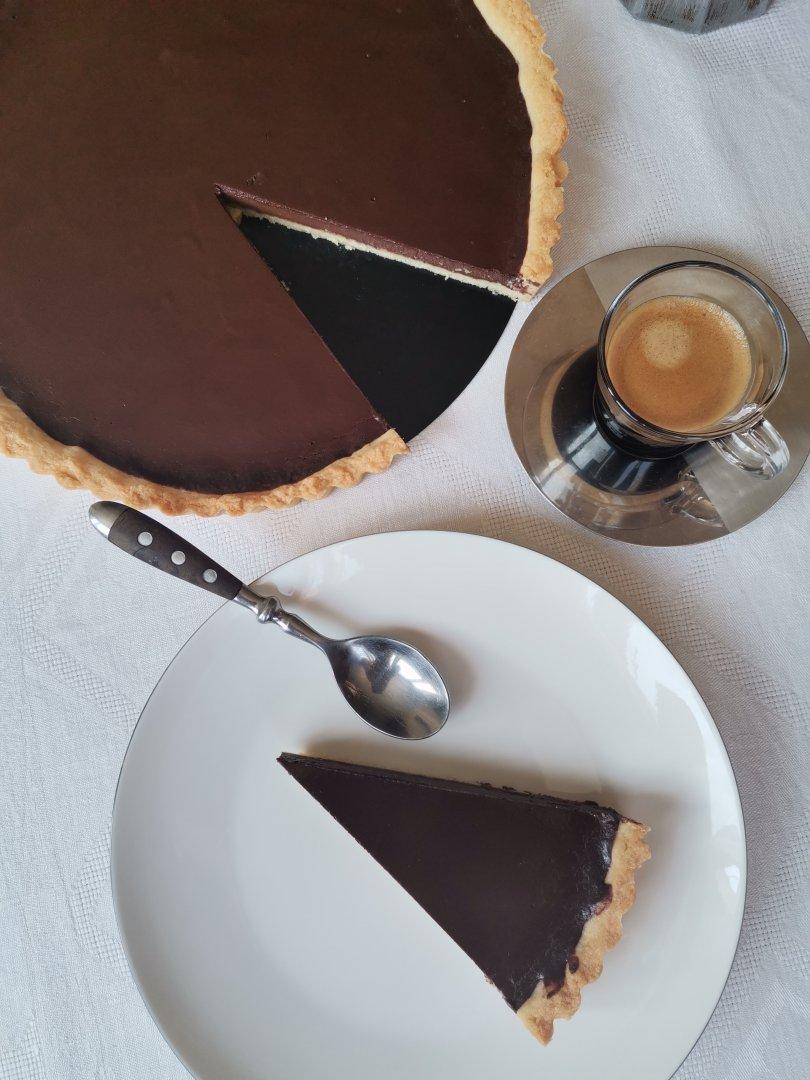 Шоколадовият тарт се сервира студен. Снимки Chef Димитър Боев