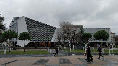 Изборната секция ще бъде в една от залите на Културен дом НХК. Снимка Авторът