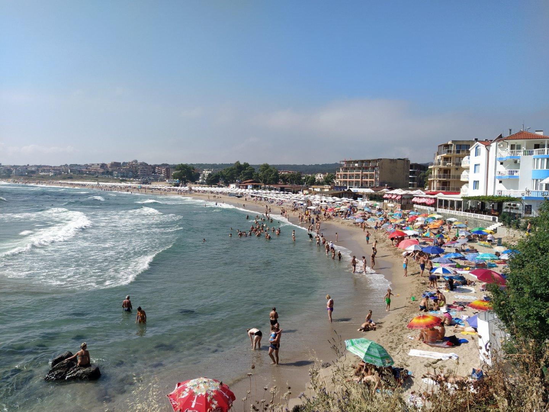 И плажовете в Созопол са пълни с туристи и свободни места трудно се намира. Снимки Авторът