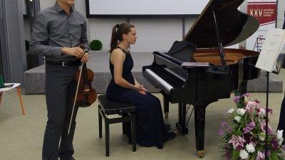 Максим Цеков и Софи Друмл изнесоха концерт във Флора - Бургас. Снимки Авторът