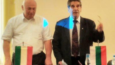 Делегацията от Унгария е в Бургас по покана на председателя на БТПП Цанко Иванов (вдясно). Снимки Лина Главинова