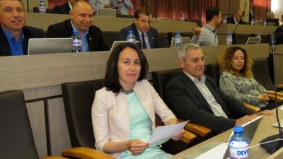 Предложението е на Калояна Живкова и Димитър Людиев