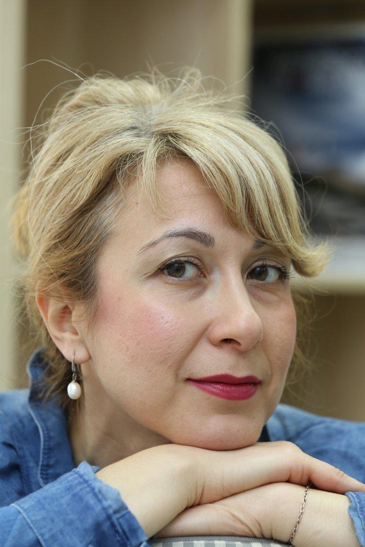 Кремена Димитрова е и автор е на рубрики за изкуство в различни медии. Снимка Личен архив