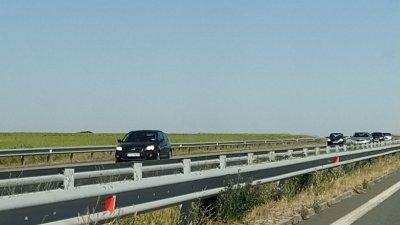 Трафикът по магистрала Тракия в неделя е в посока София. Снимка Авторът