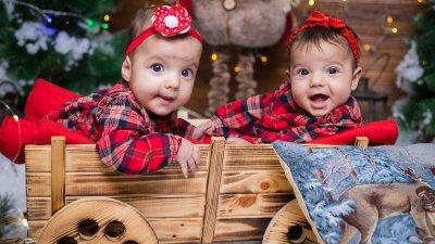 За Мегън и Кристиана това е първата Коледа