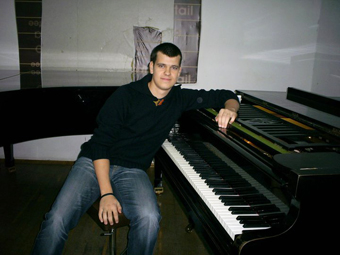 Mitko_piano-1