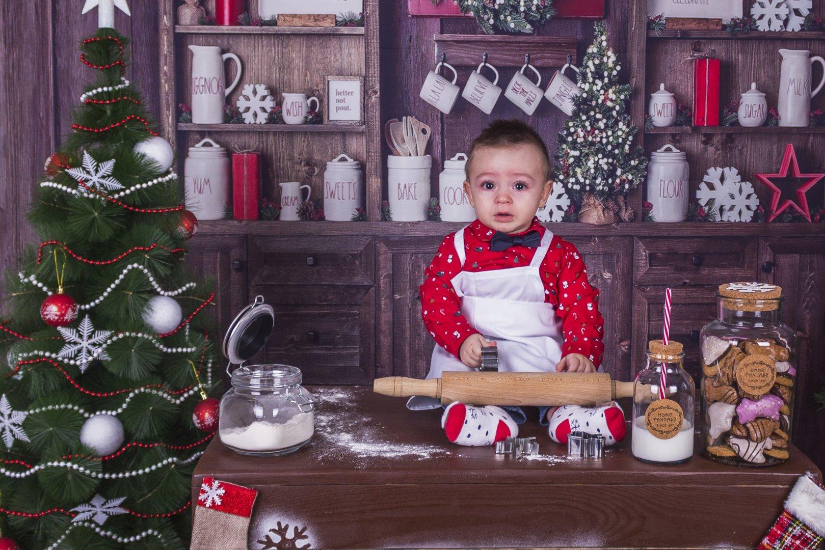 Павел е на девет месеца и това е първата му Коледа