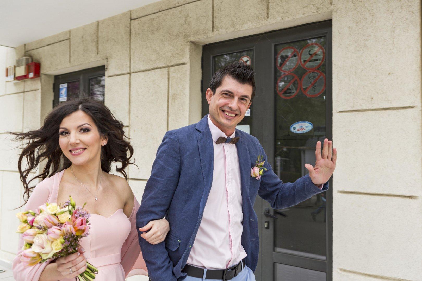 Вили и Ясен Проданови сключиха брак без притеснение от пандемията с COVID - 19. Снимки Иван Кацаров