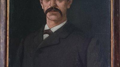 Портретът е от колекцията на Художествената галерия в Казанлък