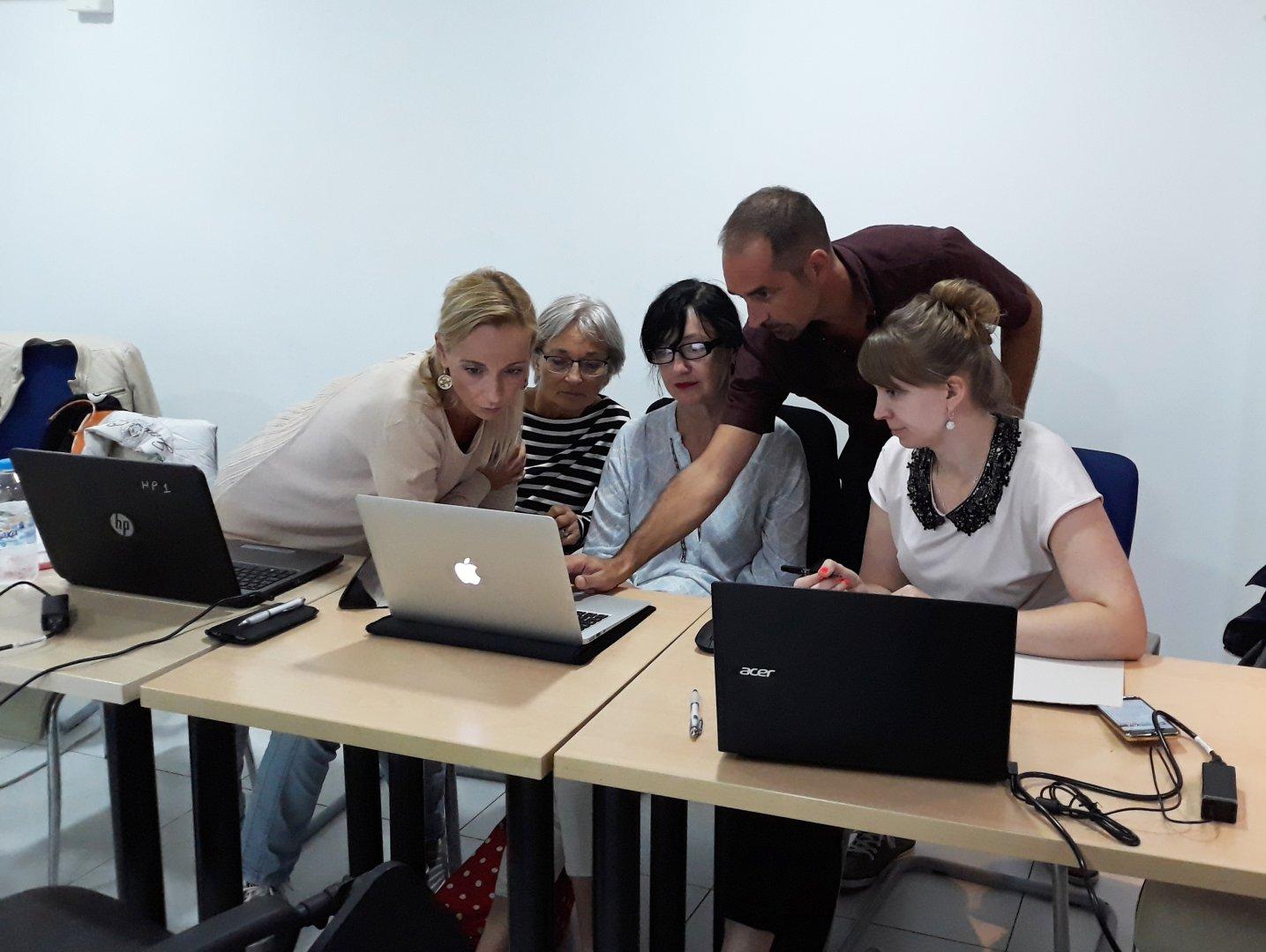 Учителите от бургаското школо ще изучават нови техники в сферата на образованието