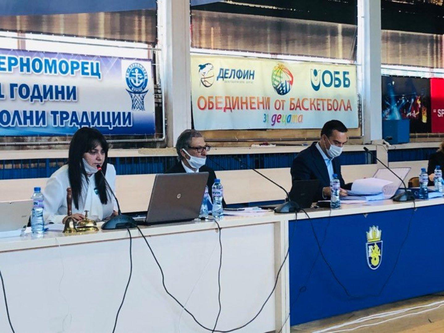 Извънредната докладна записка е внесена от председателя на ОбС Севдалина Турманова. Снимки ГЕРБ