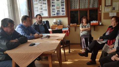 На срещата присъстваха кандидати за съветници Ангел Божидаров, Тодор Ангелов и Степан Дадурян