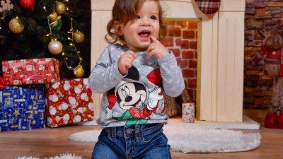 Това е първата Коледа на Стилян