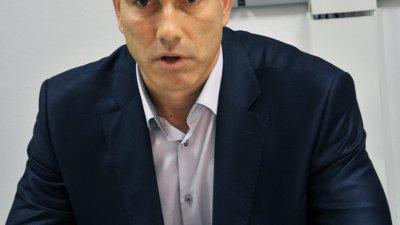Лично ще връча подписката на министър Нено Димов, каза Николай Тишев. Снимка Лина Главинова