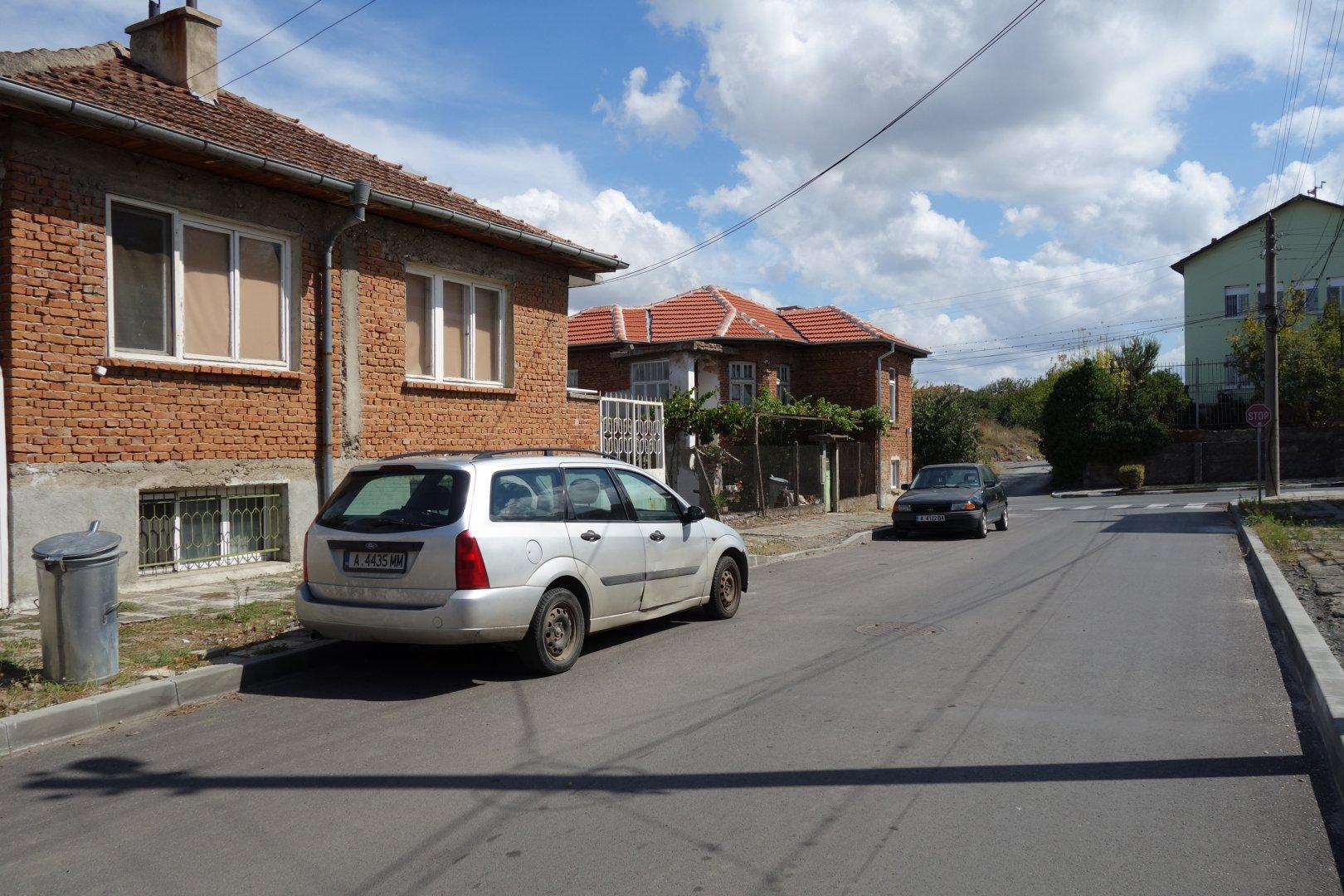 Таза изглежда ремонтирата улица Тодор Павлов сега. Снимки Община Средец