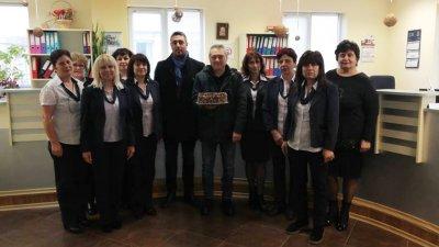 Четирима изрядни данъкоплатци на общината получиха подаръци от кмета Георги Лапчев. Снимки Община Царево