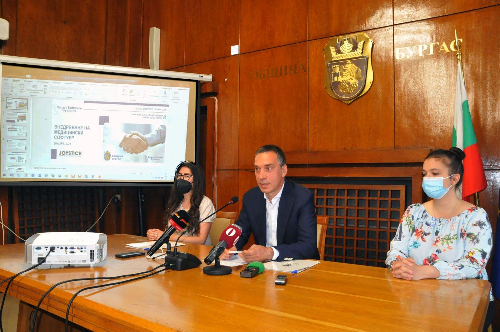 Бургас е първият град, в който се създава такава здравна платформа, каза кметът на града Димитър Николов. Снимки Черноморие-бг