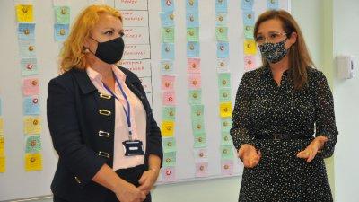 Зам.министър Зорница Русинова се срещна с екипиите на Патронажна грижа от Бургаска област. Снимки Черноморие-бг