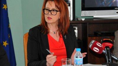 С прекрасни впечатления съм от Владимир Крумов, каза новият областен управител Мария Кънева. Снимки Черноморие-бг