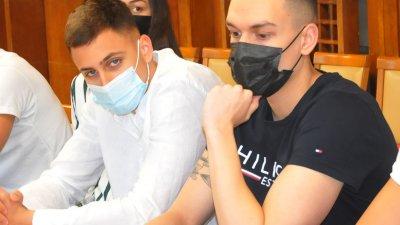 Йосиф Миладинов (вляво) и Калоян Лефтеров ще участват на Европейското първенство за юноши през юни. Снимки Черноморие-бг