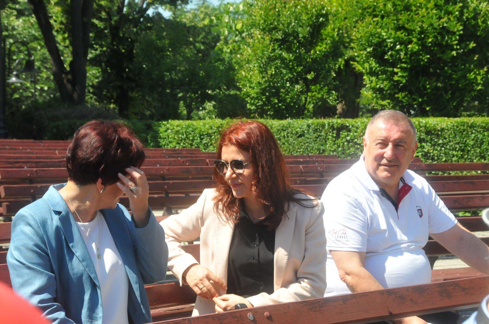 Стойко Танков няма повод за усмивка сега, за разлика от старта на предизборната кампания на коалицията, когато БСП имаше надежди за добро представяне. Снимка Черноморие-бг