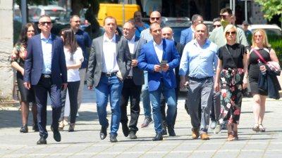 В листата на коалиция Изправи се! Мутри вън! има представители на всички общини от регион Бургас. Снимки Черноморие-бг