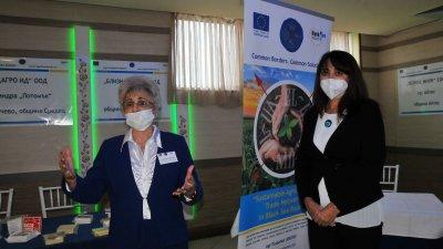 Търговско-индустриална камара Бургас е партньор по проекта. В конференцията участва и председателят на ОбС Севдалина Турманова (вдясно). Снимки Черноморие-бг