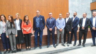 Новите лица Деян Йотов (първият отляво надясно), Ферди Хюлми (до него), Георги Вражев (четвъртият отдясно наляво). Снимки Черноморие-бг и личен архив